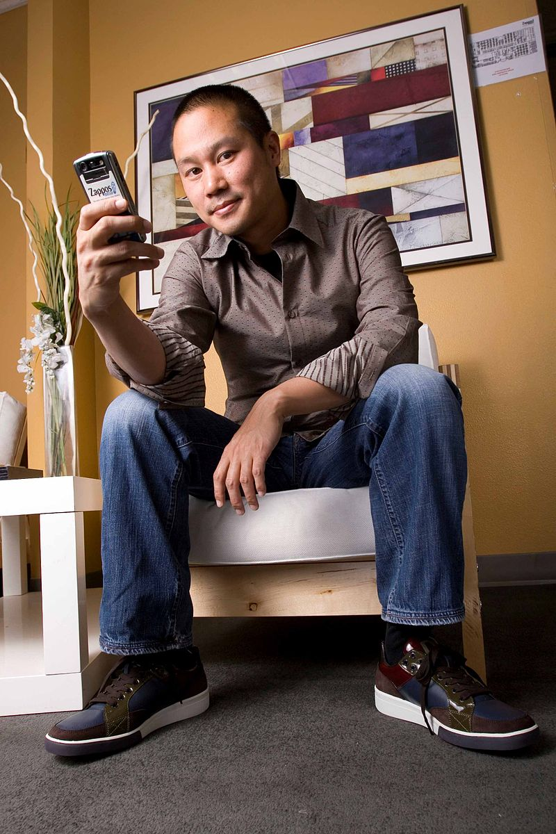 Tony Hsieh founder and CEO